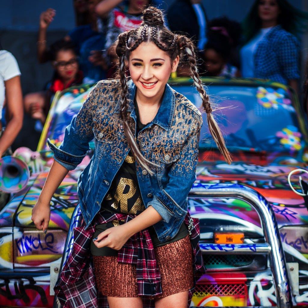"""_MG_8472 {focus_keyword} Nicole Cherry lansează videoclipul """"Vive la vida"""", împreună cu Mohombi MG 8472"""